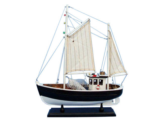 Wooden Keel Over Model Fishing Boat 18
