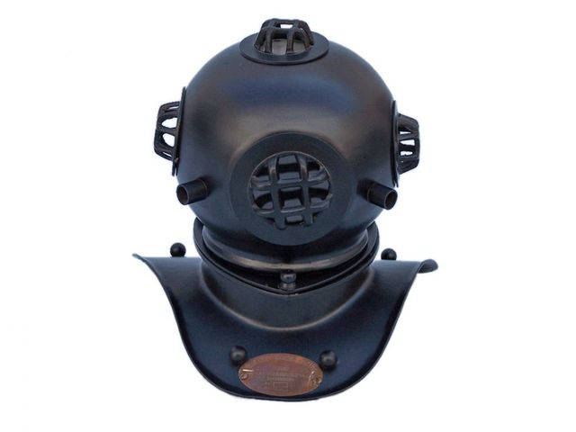 Black Iron Decorative Divers Helmet 8
