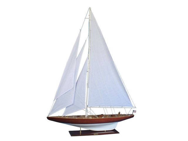 Wooden William Fife Limited Model Sailboat Decoration 60