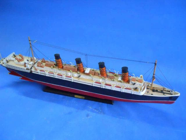 RMS Lusitania Limited Model Cruise Ship 30