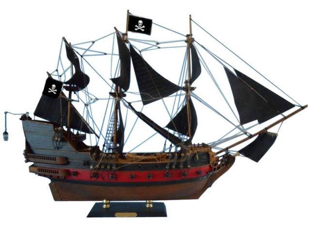 """Black Pearl Pirates of the Caribbean Limited Model Ship 24"""" - Black Sails"""