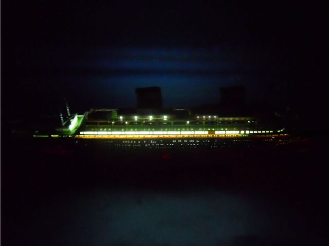 SS United States Limited 30 w- LED Lights Model Cruise Ship