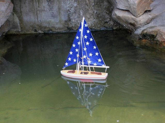Wooden It Floats 12 - Big Stars Floating Sailboat Model