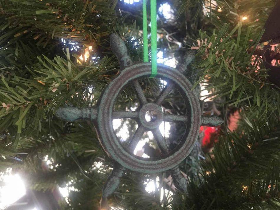 Wholesale Seaworn Blue Cast Iron Ship Wheel Decorative Christmas