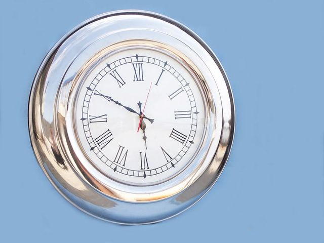 Chrome Round Clock 23