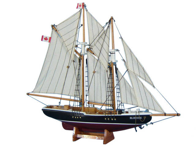 Wooden Bluenose Model Sailboat Decoration 17