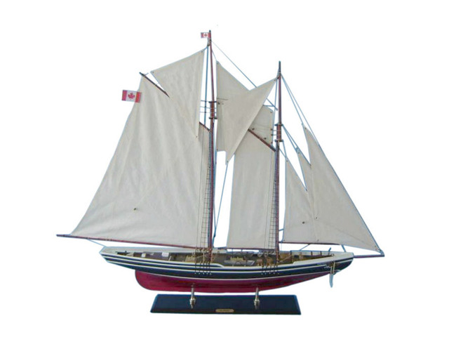 Wooden Bluenose 2 Limited Model Sailboat Decoration 50