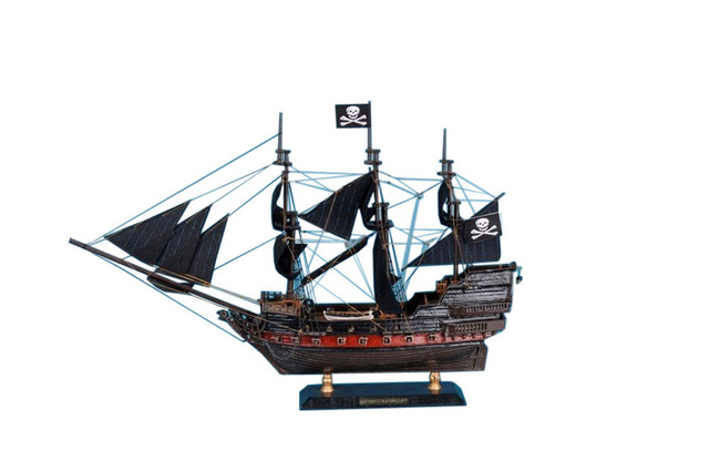 Captain Kiddandapos;s Adventure Galley Limited Model Pirate Ship 15