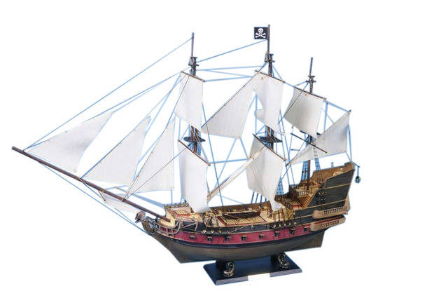 Captain Kiddandapos;s Black Falcon Limited Model Pirate Ship 36 - White Sails