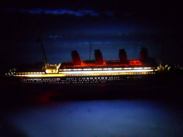 RMS Mauretania with LED Lights Limited Model Cruise Ship 30