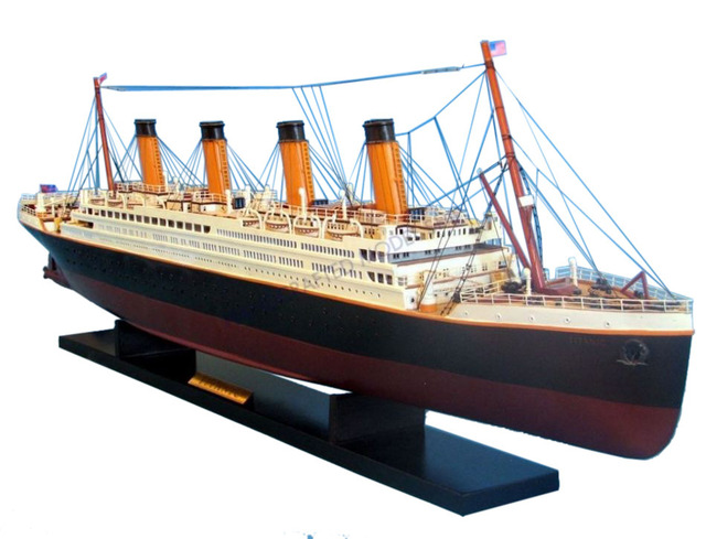 RMS Titanic Model Cruise Ship 40