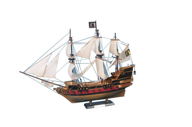 Black Bartandapos;s Royal Fortune Model Pirate Ship 36 - White Sails