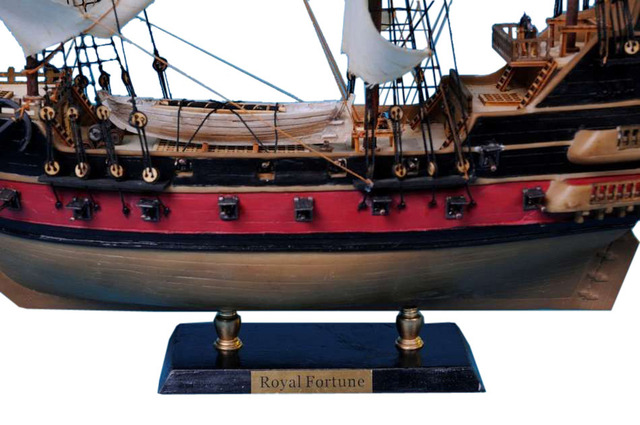 Black Bartandapos;s Royal Fortune Model Pirate Ship 24 - White Sails