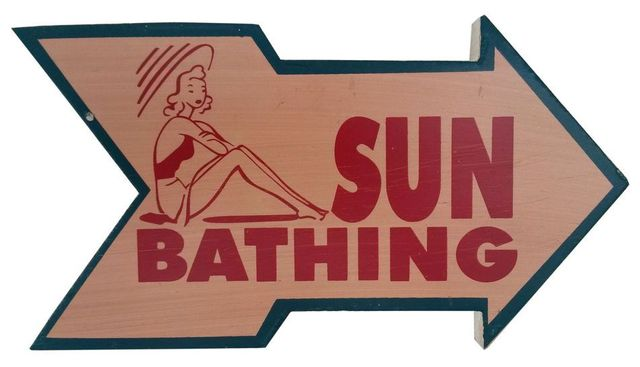 Wooden Arrow Sun Bathing Beach Sign 10