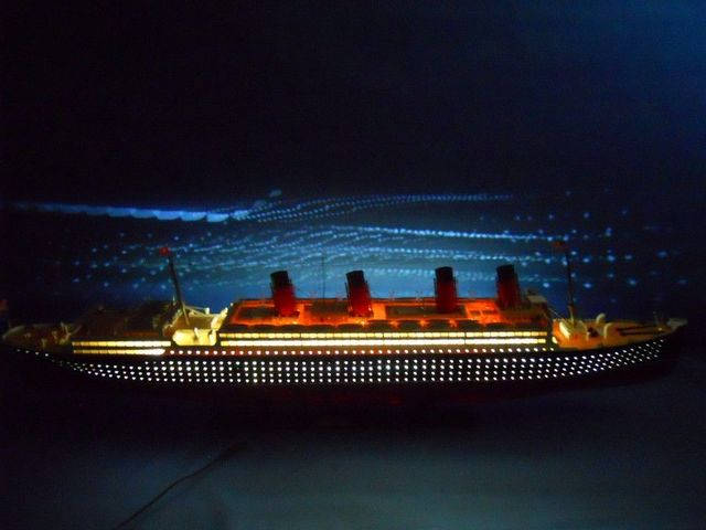 RMS Aquitania Limited 50 w- LED Lights Model Cruise Ship