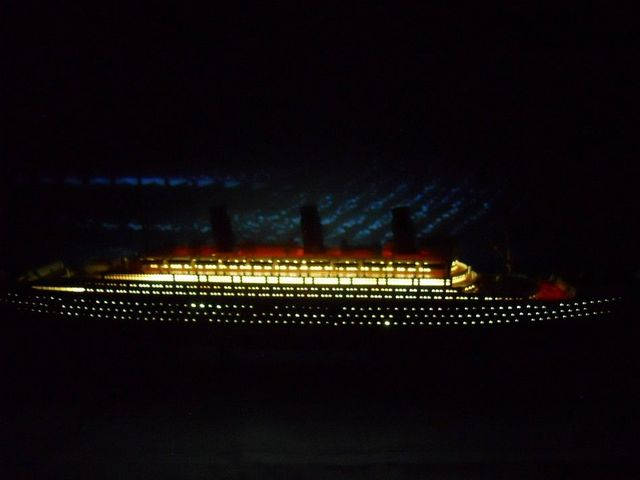 RMS Lusitania Limited 50 w- LED Lights Model Cruise Ship