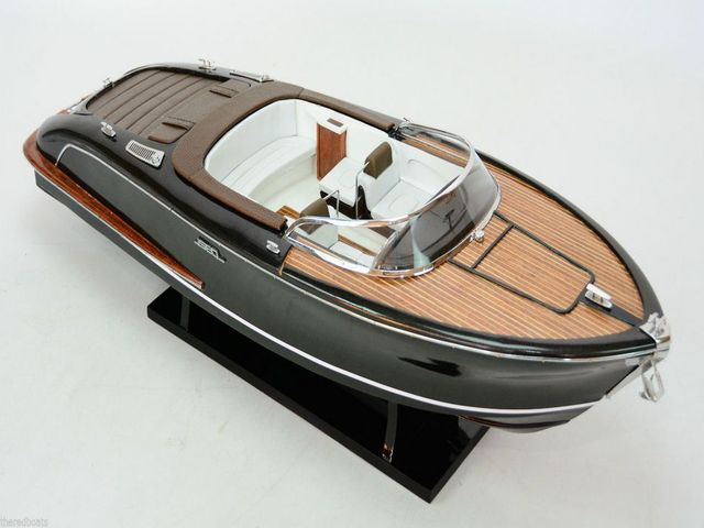 Chris Craft Continental Limited 38