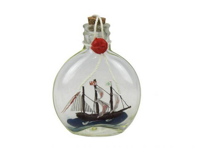 Santa Maria Model Ship in a Glass Bottle 4