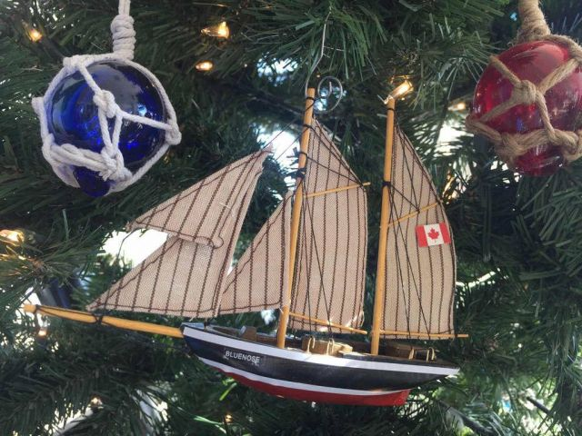 Wooden Bluenose Model Sailboat Decoration Christmas Ornament 7