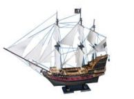 Blackbeardandapos;s Queen Anneandapos;s Revenge Model Pirate Ship 36 - White Sails