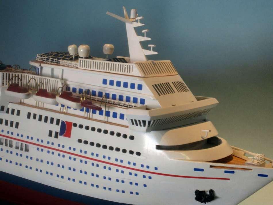 Carnival Ecstasy - Remote control cruise ship