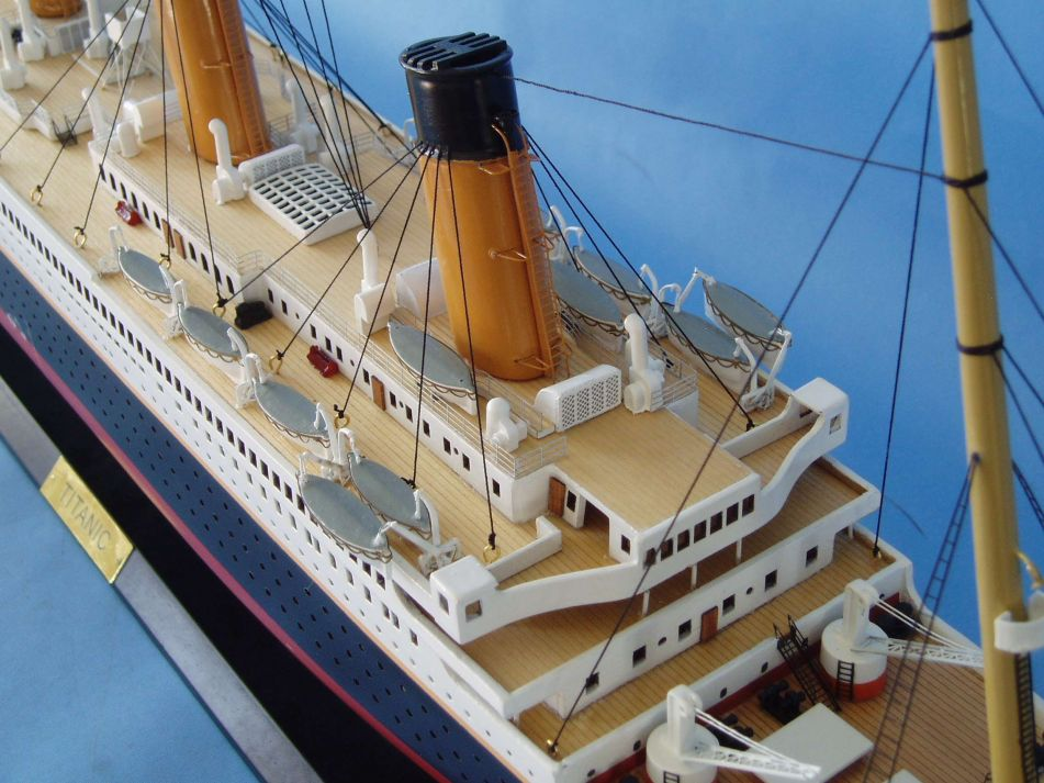 Titanic 1912 Model Ship