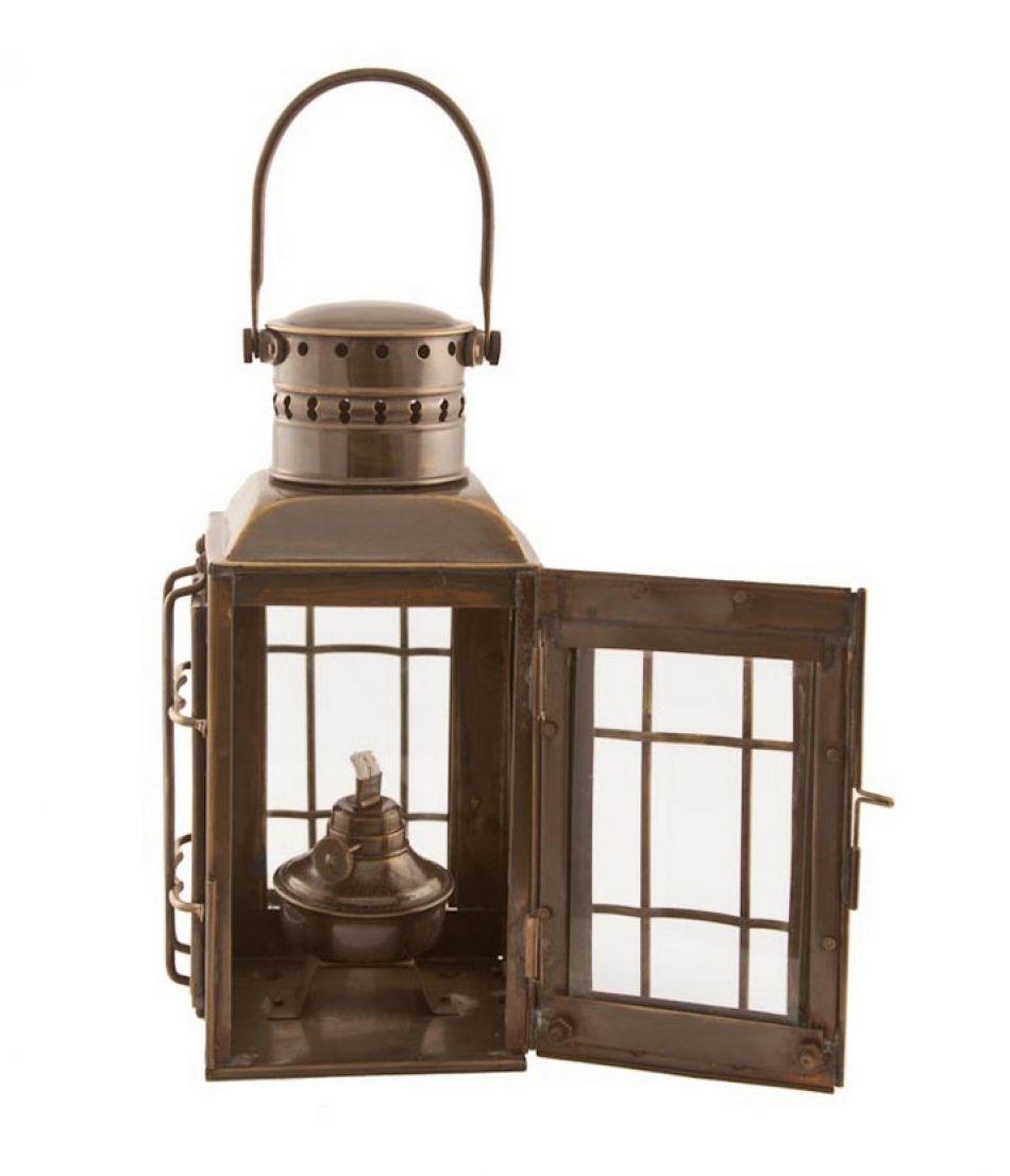"Antique Brass Chiefs Oil Lamp 10"""