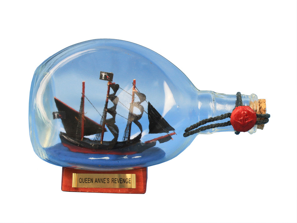 Picture of a model of the Queen Anne's Revenge in a bottle