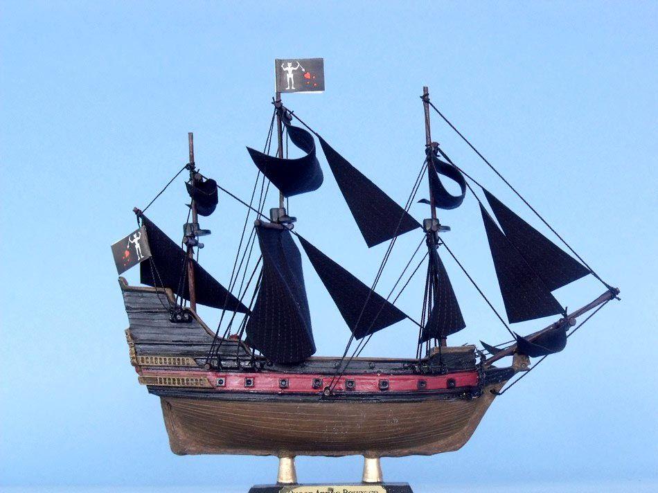 "Wholesale Queen Anne's Revenge Limited 7"" Model Ship ..."