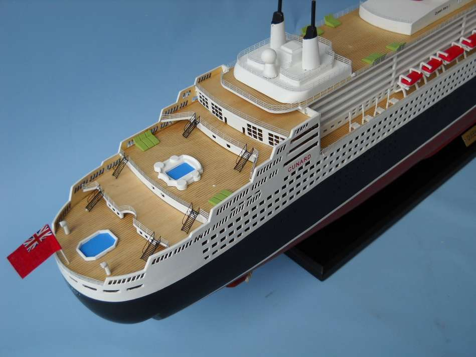 Buy Queen Mary 2 Limited 40in Model Ships