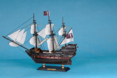 Caribbean Pirate Ship 15 - White Sails