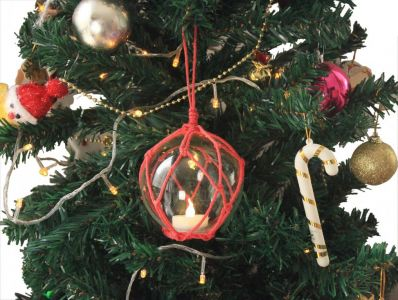 LED Lighted Clear Japanese Glass Ball Fishing Float with Red Netting Christmas Tree Ornament 3\