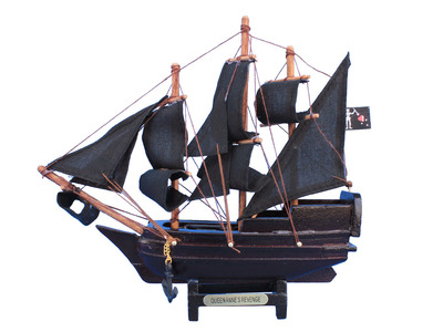Wooden Blackbeard\'s Queen Anne\'s Revenge Model Pirate Ship 7\