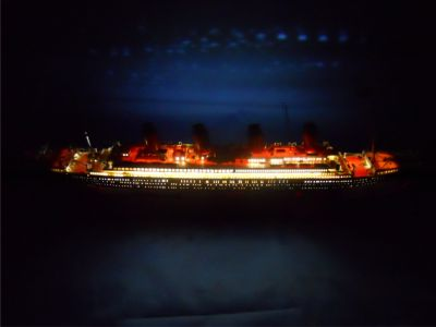 RMS Titanic Limited 30 w- LED Lights