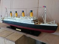 RMS Titanic Model Cruise Ship 32